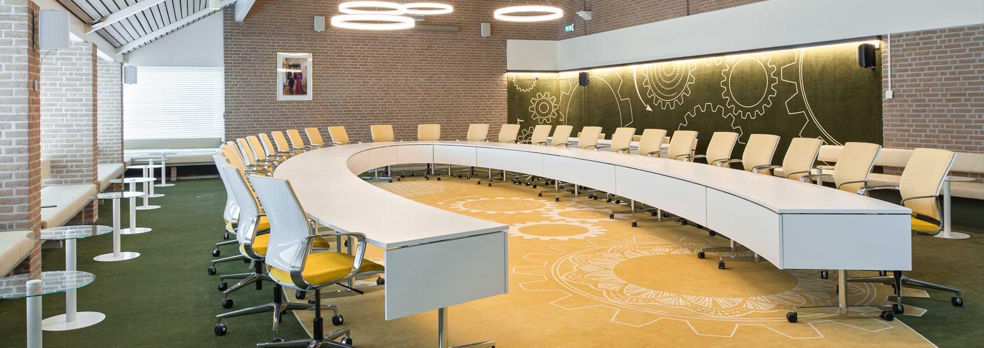 Raadzaal gemeente Duiven in gebouw Bossche school